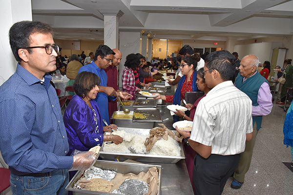 Volunteer Food Serving
